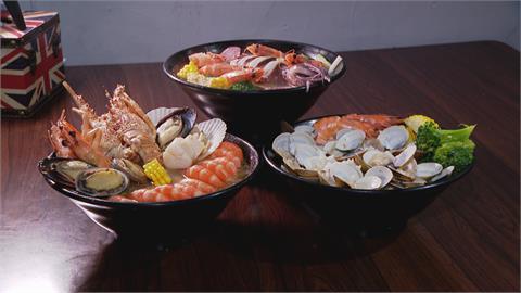 鍋燒麵加入大量活凍海鮮!放入三種蝦釋放鮮甜