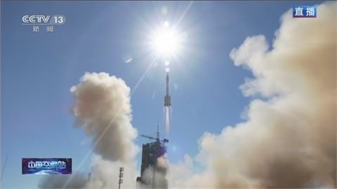 載3名太空人 中國神舟12號發射升空  預計9月返回