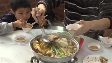 兒童5歲前吃薑母鴨 酒精可能引發嘔吐、癲癇