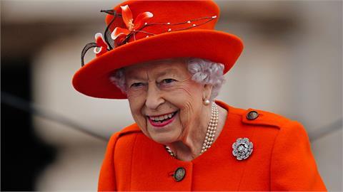 才剛婉拒「年度老人獎」!醫師建議95歲英女王休養:取消北愛行程