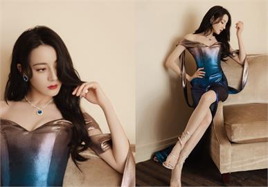 迪麗熱巴穿藍色高衩裙現身「美到極致」!全網沉醉喊:人魚公主上岸了