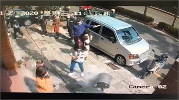 女子闖罷韓點鬧場踢翻金爐!大嗆「別罷韓」影片流出