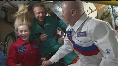 俄搶先阿湯哥太空拍片 今返航著陸繼續拍