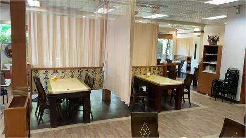 設計太有「風格」?屏東餐廳加裝醫療隔簾 顧客如在病房用餐