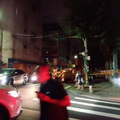 快新聞/東湖國小變電箱爆炸! 內湖區一度大停電 台電人員緊急搶修