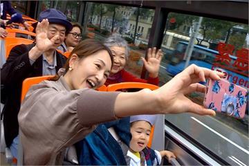 台北觀光巴士人氣谷底翻身 一小時湧4百人搶搭