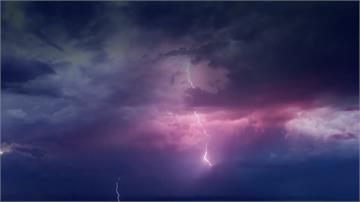 印度雨季雷電交加 兩天逾百人遭雷擊身亡