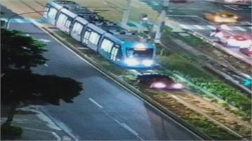 淡水玩命關頭? 輕軌驚見轎車擋列車 駕駛是75歲老翁