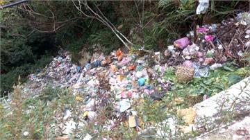 收垃圾頻率低、遊客增 尖石鄉再現垃圾瀑布