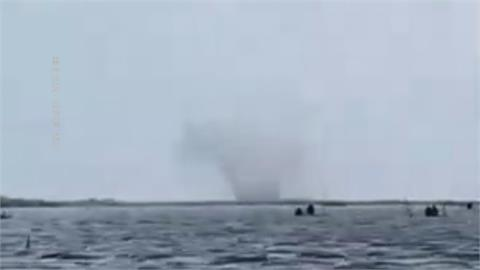 對流旺盛!台南七股潟湖 驚見水龍捲