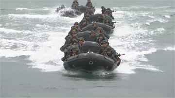 讚國軍「戰時能作戰」蔡英文PO軍裝照向國軍致敬