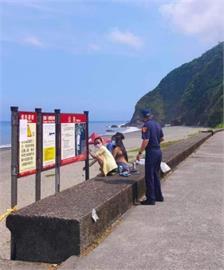 快新聞/防疫期間到處玩!內埤海灘遊客頻出現 辯牌子太小沒看到