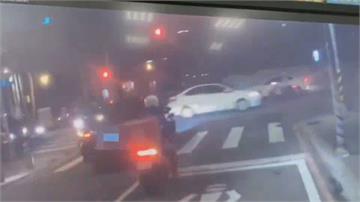 疑似酒駕轎車逆向還拒檢  踩油門逃離一路違規撞飛騎士