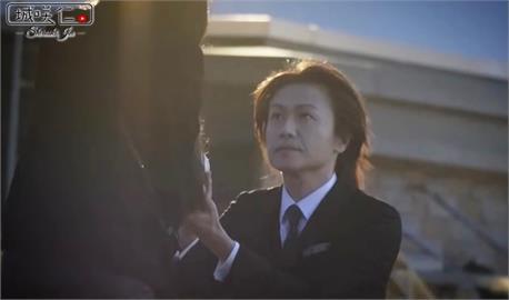 「日本第一牛郎」突求婚長髮女星 求婚影片曝光她激動跪下落淚