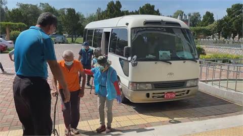 為75歲以上長者施打疫苗 金門4大場館接種站上路