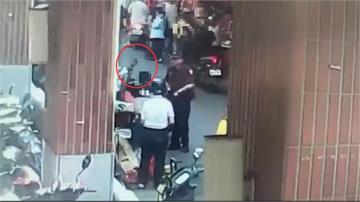 三峽民生市場攤販不滿員警驅趕 敲破酒瓶作勢襲警