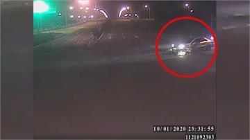 「醉」惡劣! 男闖紅燈撞雙載機車 輾人還開溜