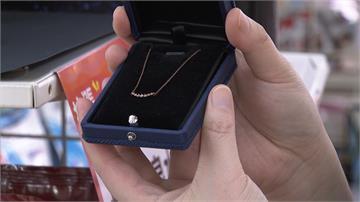 超商功能超強大  辦手機、查合約 還能買鑽石項鍊