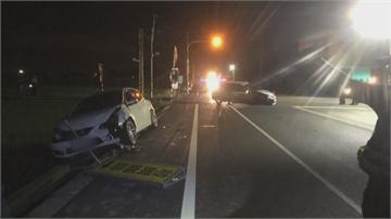閃紅燈路口「未禮讓」 2車對撞一車「噴飛翻落田」