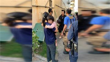 3歲女童3樓窗墜下 民眾神救援一把接住