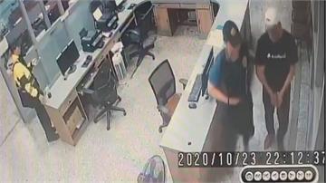 台南警擴大臨檢 逮兩通緝犯查扣手槍、子彈11發