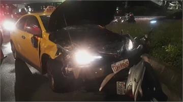 北車前計程車失控連續撞 11人受傷