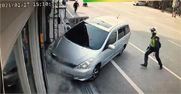 快新聞/執法遭駕車衝撞! 嘉義警「轟三槍」制服毒品通緝犯