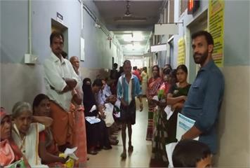 印度爆立百病毒疫情 10死94人被隔離
