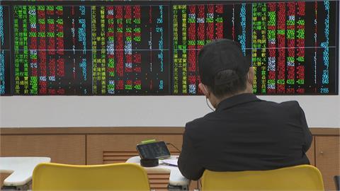 快新聞/台股早盤開高 一度攻破萬七關卡