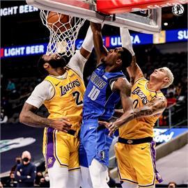 NBA/戴維斯傷癒復出表現不理想 湖人輸獨行俠