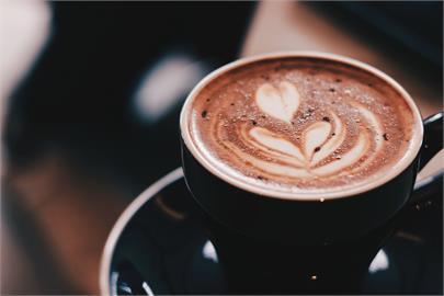 亞洲人多喝咖啡身體更健康!韓研究:一天喝5杯「死亡風險」降低28%