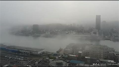快新聞/濃霧籠罩基隆成夢幻雨都 網友大讚如仙境