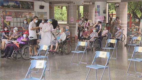 高市87歲以上長輩接種率近6成 今將再為4400人接種