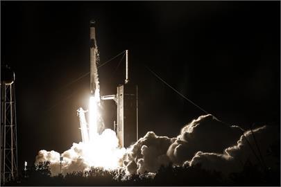 SpaceX明年啟動登月任務 接受狗狗幣Dogecoin付款