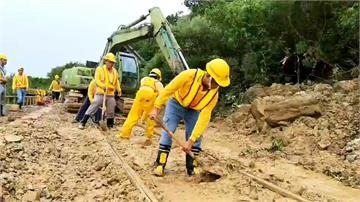 南迴鐵路土石流交通斷 上千旅客受影響