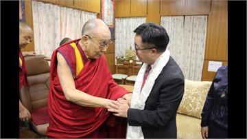 羅文嘉赴印度拜會 達賴喇嘛:民主自由力量流傳千年