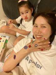 余苑綺宣布今做最後一次化療 女兒心疼「媽媽受傷」幫貼OK蹦