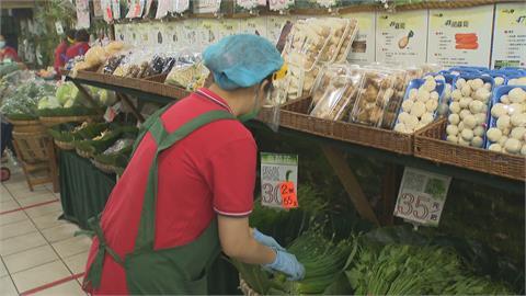 颱風逼近!高麗菜批發價跌約2成 菜藍族:絲瓜.多葉菜類變貴了