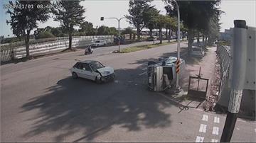 飛來橫禍!轎車路口撞廂型車釀5傷疑未注意路況 駕駛:心有餘悸...
