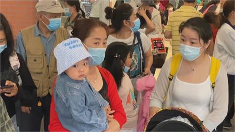 中國開放生育第三胎 挽救人口老化危機