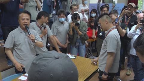 翁章梁化身拍賣官  5kg咖啡豆拍出43萬天價