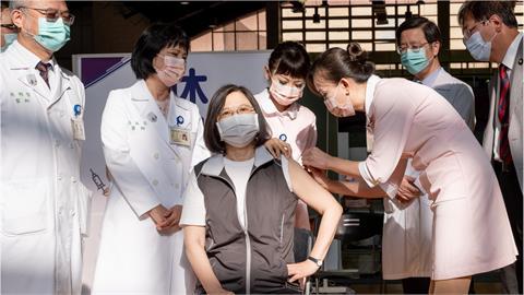 不只總統蔡英文!「這些人」也預約高端疫苗 本週開打名單一次看