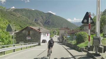 瑞士好手騎無煞車單速自行車330公里挑戰攻上阿爾卑斯山