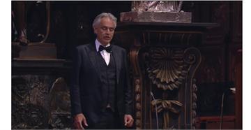 為世界祈福!男高音波伽利於米蘭大教堂的復活節獨唱
