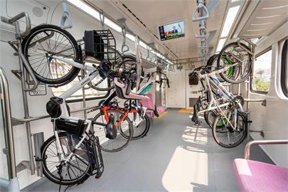 台鐵「最美區間車」今試乘 預計4/1清明連假正式上線