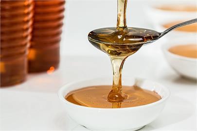 網傳蜂蜜與茶葉同飲恐釀血栓 營養師:無稽之談