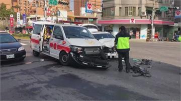 怪救護車沒鳴笛才撞上?消防局出面打臉