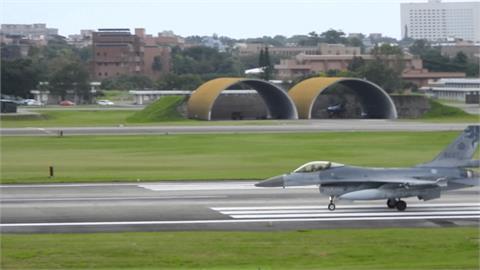 起飛前起落架意外收起 F-16V戰機輕損