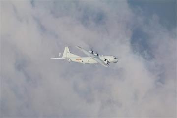 快新聞/共機又來! 2架中國軍機進入我空域 空軍防空飛彈追監
