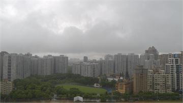 颱風尾颱風尾+午後熱對流 新莊幸福路變小河